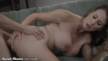 Sweetsinner Massive Boobs Cougar Is Scorching For Daughter's Boyfriend