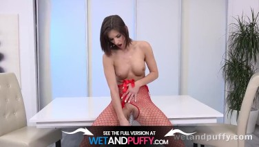 Sex Plaything Play For Super-steamy Brown-haired Jenifer Jane