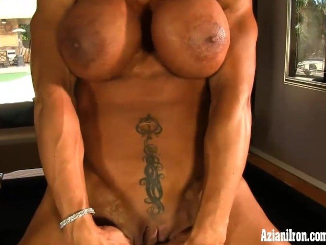 Huge Boobs Webcam Dildo Riding