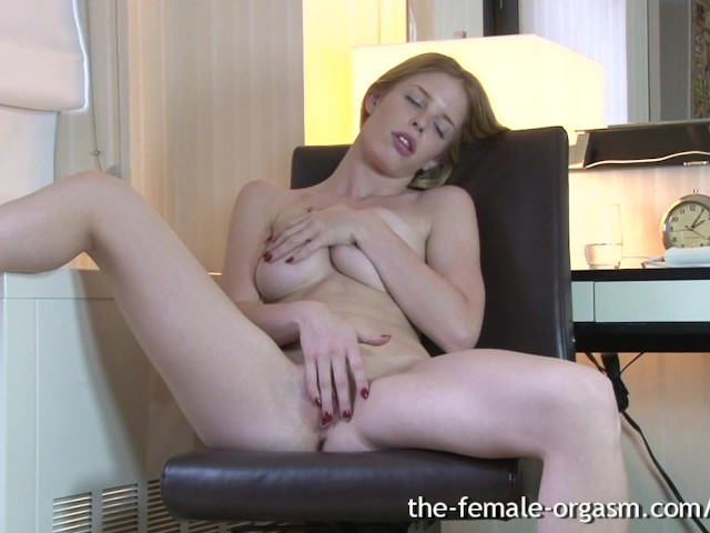 Solo Creamy Female Orgasm