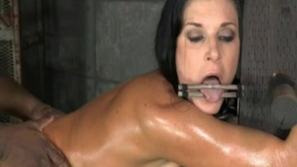Fucking Her While She Cums