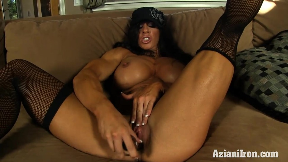 Muscle Corded Mummy Uses Her Glass Fake Penis Till She Cums (06:07) -  Letmejerk.com