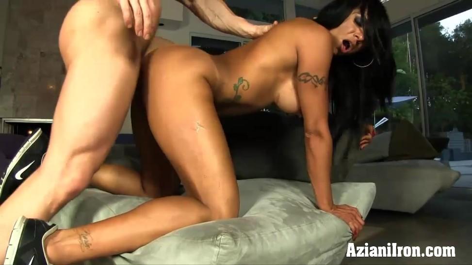 Light black girls fucked boobs