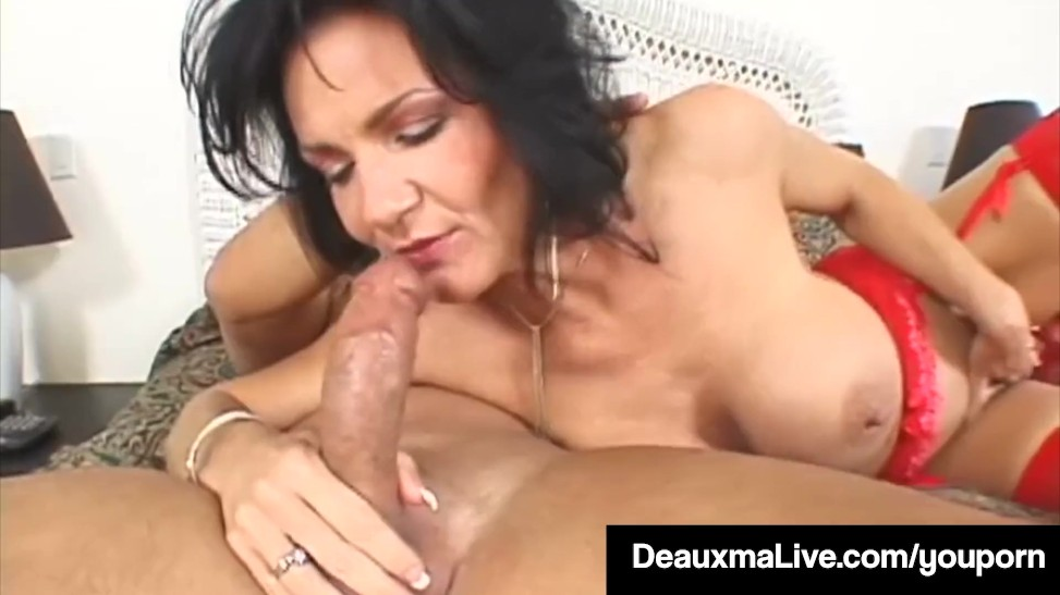 Horny Housewife Deauxma Takes A Fuck-stick In Her Tasty ...