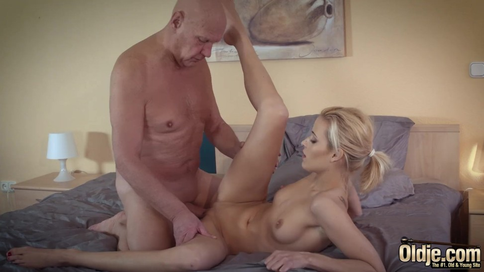 Sugar Father Romps His Very First Teenager She Is So Sexual ...